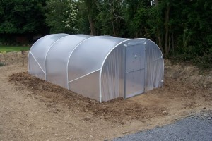 3.5m x 6m Tunnel with steel gable and steel hinged door